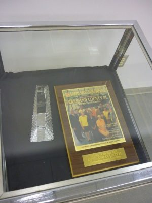 2001 Library of the Year Award, Glass Obelisk and Plaque